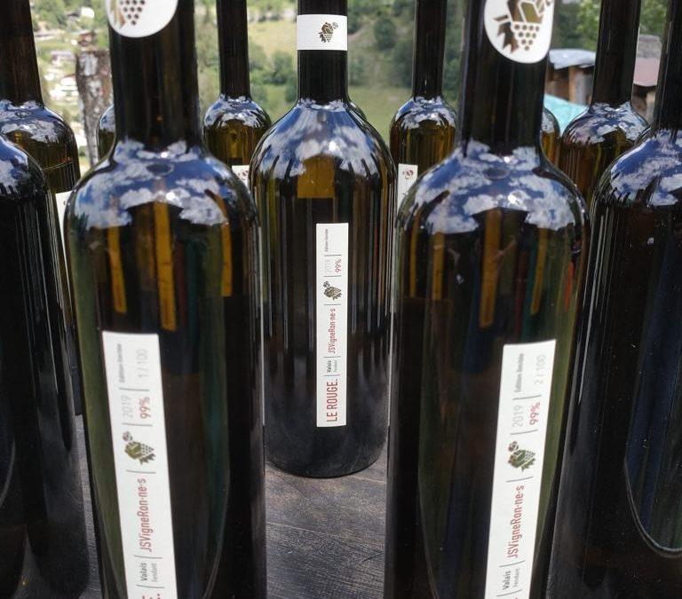 Les bouteilles des JS VigneRon·nes sont disponibles !